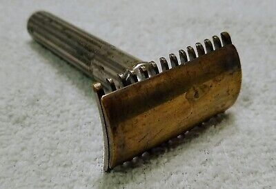 VINTAGE 1930's GILLETTE OPEN COMB SAFETY RAZOR-VERY NICE