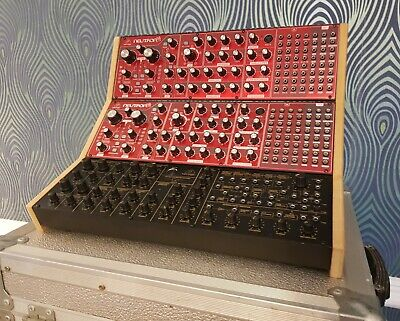 Oak Veneered Triple Stand For Behringer Model D Neutron K2 And Pro 1