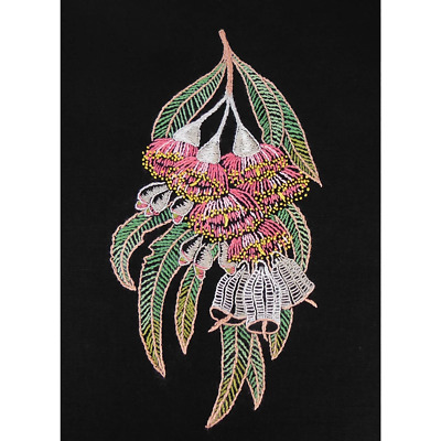 Silver Princess Gum Traced Linen Embroidery Kit 14 x 26cm, 587101