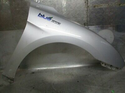 2014-2017 HYUNDAI i40 DRIVER SIDE FRONT WING IN SILVER