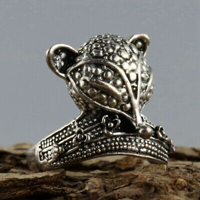 Collectable China Old Tibet Silver Hand-Carved Exquisite Noble Fox Decorate Ring