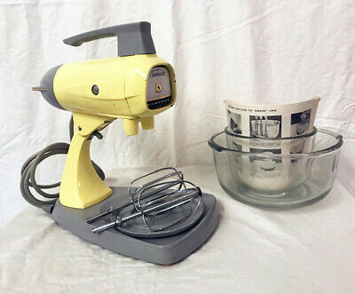 Rare Lemon Yellow 1968 Sunbeam A24 Mixer in excellent working condition