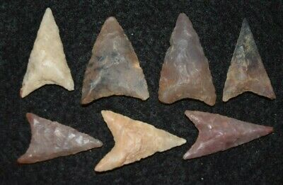 7 nice Sahara Neolithic triangular projectile points