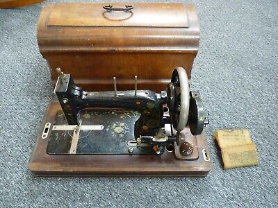 Antique c.1920s Vesta B Handcrank Sewing Machine in Wooden Case, Serial #1493019