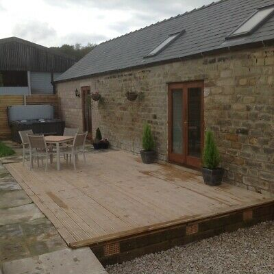2 bedroom holiday cottage in the heart of derbyshire  with private hot tub