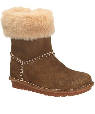 """Clarks """"Greeta Ace"""" Beige Suede Fur Lined Boots, Size 11, VGC"""
