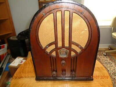 PHILCO 60 Cathedral Model 60 B (looks Great)