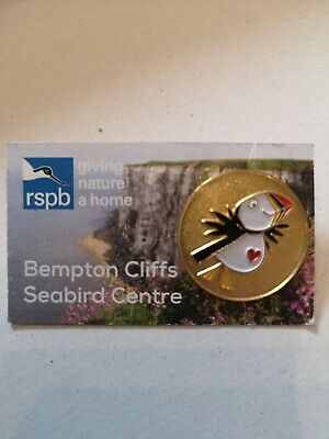 RSPB pin badge BEMPTON CLIFFS Puffin Gold. Book people.  Rare.