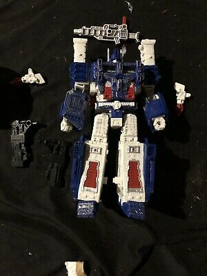 Transformers Generations War for Cybertron: Siege  Ultra Magnus (LOOSE)