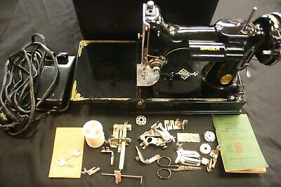 1938 Working Singer Featherweight 221 Portable Sewing Machine/pedal/case/access