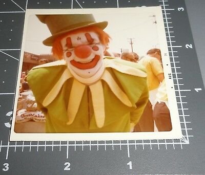 CREEPY Close Up CLOWN Makeup Green Yellow Costume Scary Man Vintage Color PHOTO