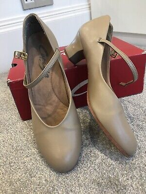 Tan Capezio Jnr Footlights 550  character/stage leather sole dance shoes
