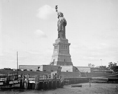 RT624 HAND /& TORCH OF STATUE OF LIBERTY BUILT IN PARIS CIRCA 1876-8X10 PHOTO