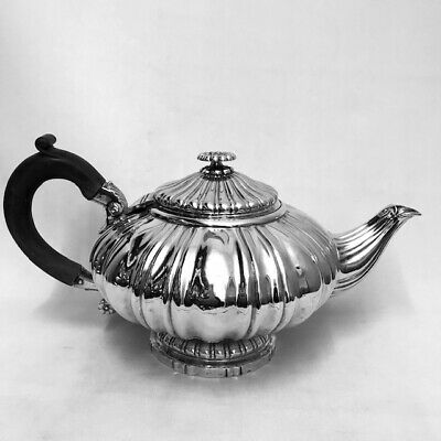 GEO IV SILVER TEAPOT - LONDON - 1821 by ROBERT HENNELL