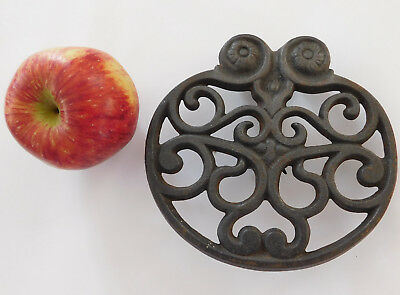 Antique Victorian cast iron object poss stand ornate vintage metalware trivet 2