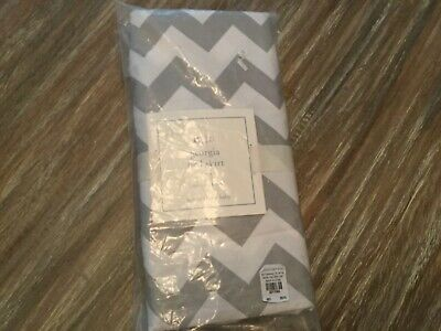 Pottery Barn Baby- Gray Georgia Crib Skirt Dust Ruffle * New *