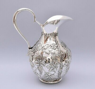 BEAUTIFUL SOLID SILVER REPOUSSE PITCHER.  Weight: 479 grams / 16.9 ounce