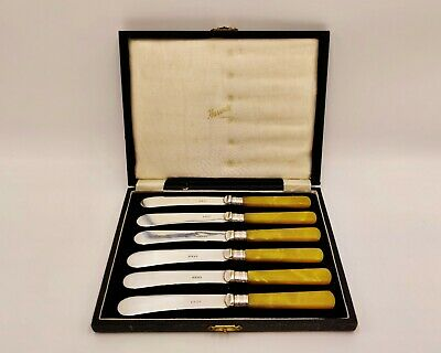 Vintage/Antique Harrods EPNS Silver Plate Butter Knives/Spreaders-original case