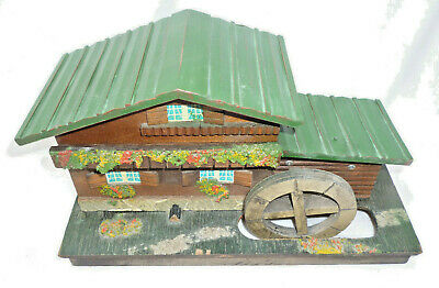 VINTAGE SWISS / AUSTRIAN CHALET STYLE LARGE MUSICAL TRINKET BOX - good condition
