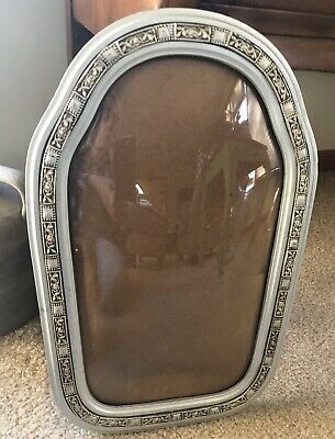 """Antique Ornate Oval  Picture  Frame Convex Bubble Glass 17""""x10""""  Nice Condition"""