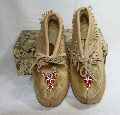 Vintage Pair of 1960's Elk Brand Children's 'Indian Slippers' with fur & beading