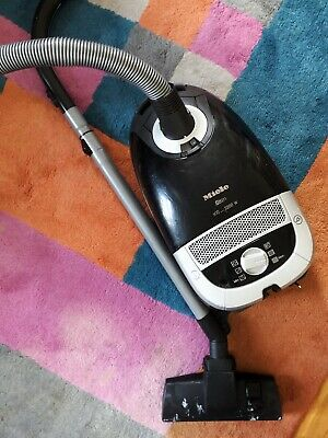 Miele S5211 Power Plus 5000 vacuum