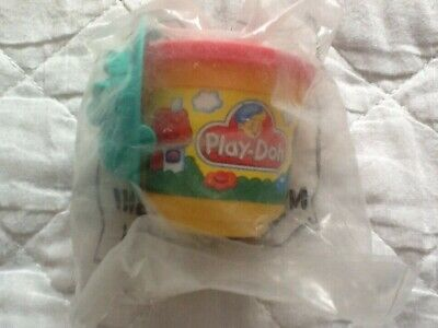 McDonalds Play-doh in tub with mould in sealed bag (P)