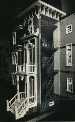1986 Press Photo Doll House Built by Grandfather - mja88292