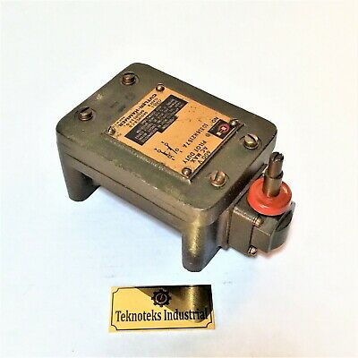 Cutler Hammer 10316H2157A Limit Switch