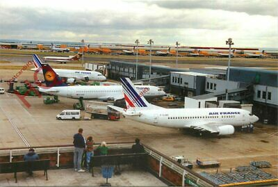Picture Postcard: LONDON HEATHROW AIRPORT (LHR)