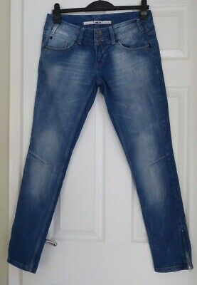 STUNNING PAIR OF LADIES STRETCH, DENIM JEANS by TOP SHOP, SIZE 12 UK.