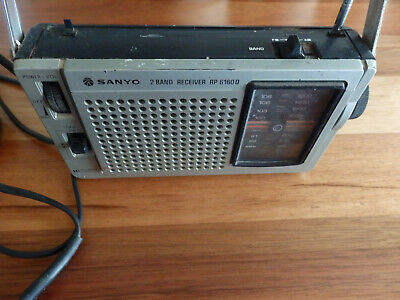 Retro Sanyo 2 Band Receiver RP 6160D Transistor Radio in working order.