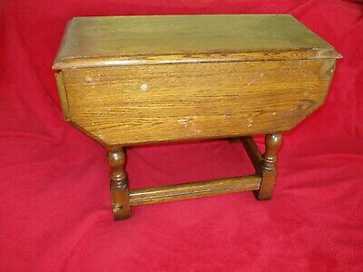 Oak 'Georgian' Style Swivel Top Occasional Drop Leaf Side Table. COLLECTION ONLY