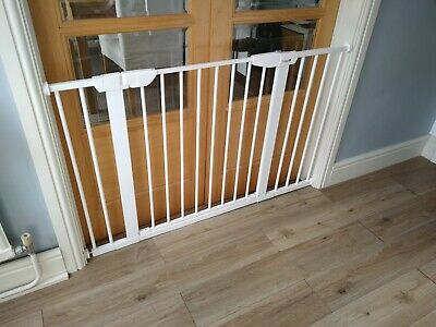 Cuggl pressure fit safety gate - Wide Fit upto 120cm. Baby gate, extended