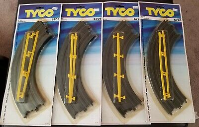 "Tyco Electric Racing Quik-Clik Track # 6705-9/"" Radius Curve 1//4/"" Circle Pair"