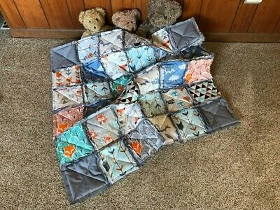 Handmade baby rag quilt,gray,fox,cotton,cozy,arrows,cute