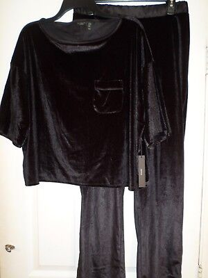 Tahari Velvet Feel Pajamas/Sleepwear Size Small Women's  Black-Soft