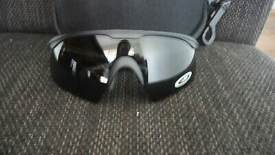 Wiley X pt-1SCAPackage Includes:• Matte Black Frame• Smoke Grey Lens• Clear