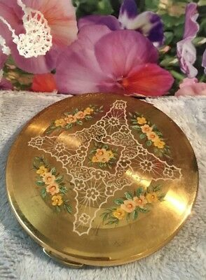Vintage Collectable 50s lace floral Gold Metal Round Kigu Vanity powder Compact