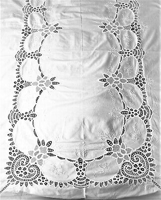 Tapelace/Large Tablecloth/100 X 64 Ins