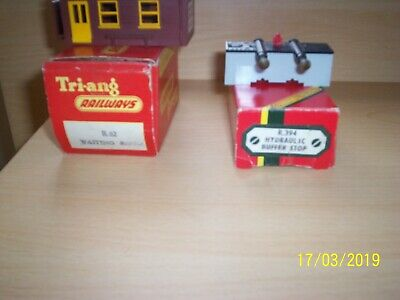 Hornby/Triang R394 Hydraulic Buffer Stop & R62 Waiting Room, Boxed.
