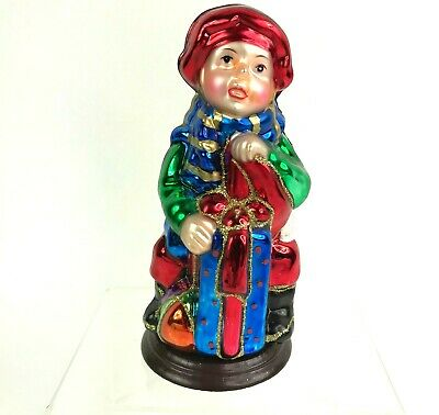 Thomas Pacconi Classics Christmas Figurine - Boy With Gifts 2004