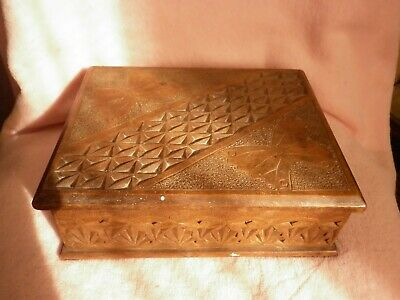Vintage Wooden Carved Box With Hinged Lid Old Collectable