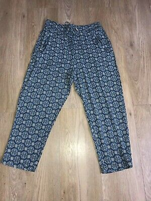 New Look Ladies / Girls Cropped Blue Pattern Summer Trousers Size 10