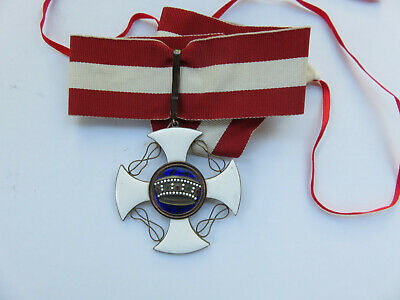 Italian Ww2 Order Of The Crown Neck Order Medal