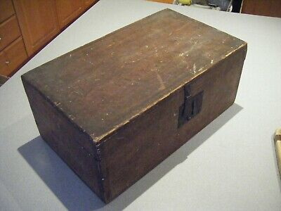 Antique Wooden Box Made by Benjamin Randall North Pownal Maine in 1830