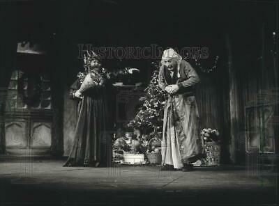 1981 Press Photo The Milwaukee Repertory production of A Christmas Carol.
