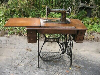 Nice Vintage Red Eye Singer Treadle Sewing Machine Antique Complete Pick Up Ri