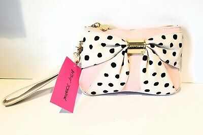 Authentic Betsey Johnson Pink With Large Bow & Heart Zip Large Wristlet Womens