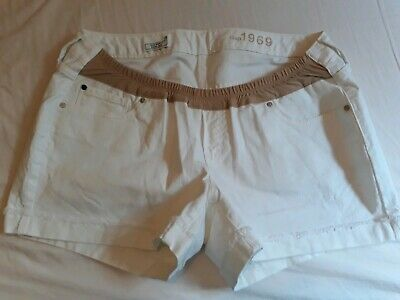 Ladies Gap Maternity denim Shorts white size 8